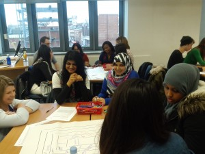 Mhairi and students discussing frames